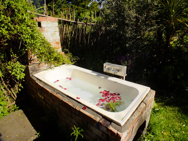 Enjoy a relaxing outdoor bath at the end of the day